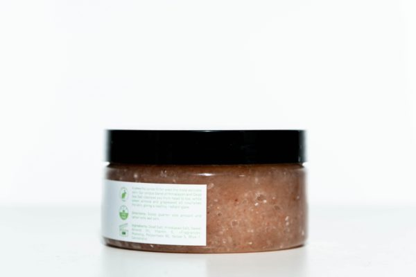 CBD Bath World Salt Scrub - Red Rose - 200MG 16oz